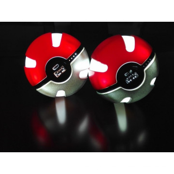 Pokemon Power Bank Go Ball Power Bank 10000mAh Chager mit LED-Licht für Go Ar Spiel