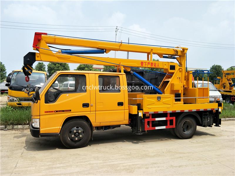 overhead working truck 1