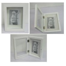 Boîte en bois d'ombre pour décoration maison avec épingles