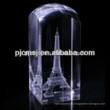 Cube de cristal avec eiffel
