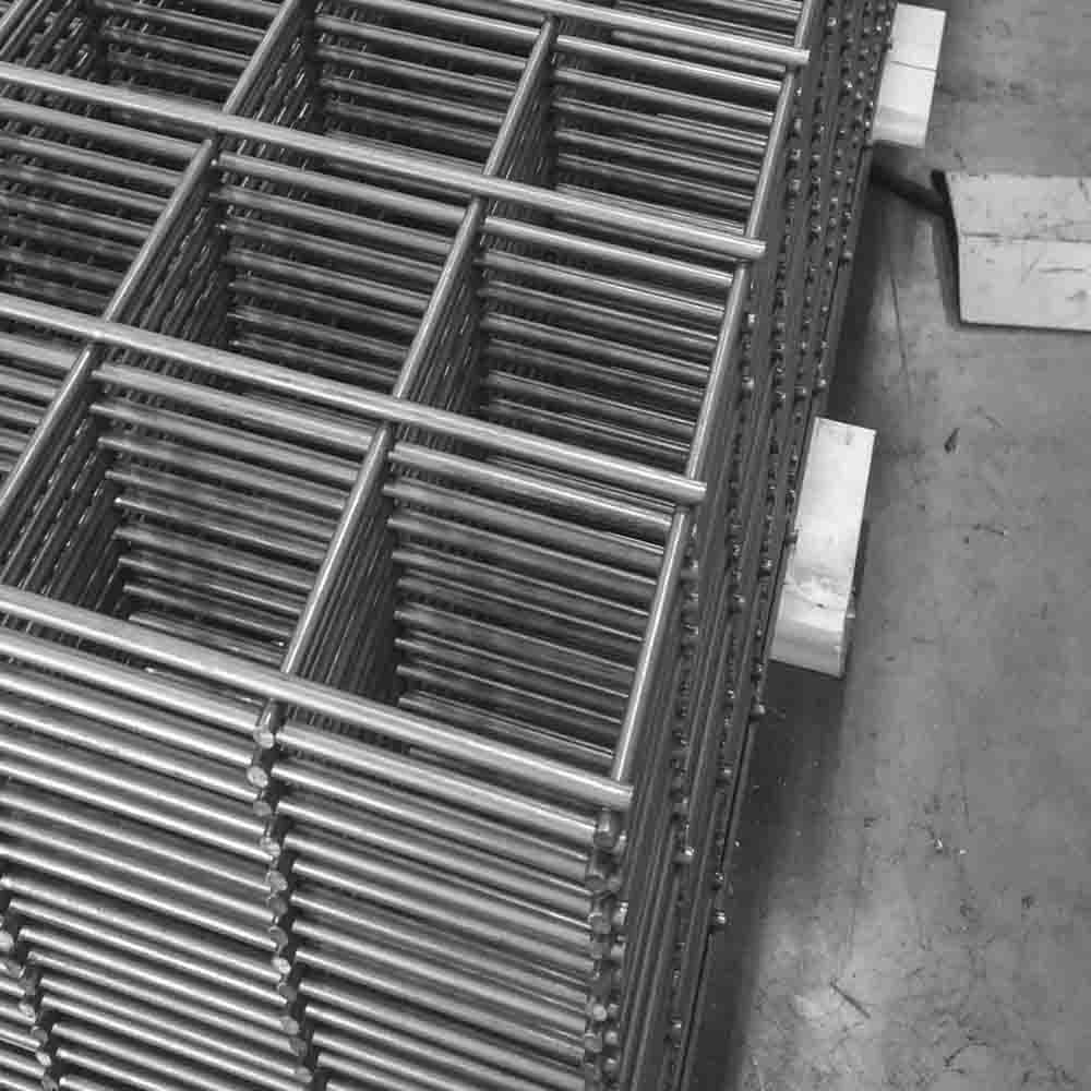 Galvanized Wire Welded Mesh Panel China Manufacturer