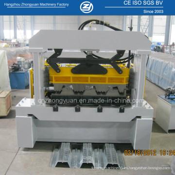 Máquina formadora de metal