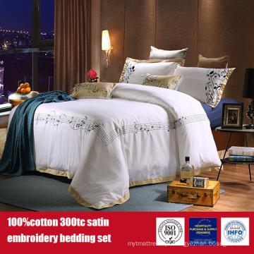 Roupa de cama 100% ajustado do hotel do fundamento do hotel do bordado do algodão 300TC