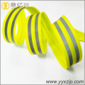 Low price nice design reflective nylon zipper with good price