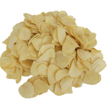 Flocons d'ail séchés de couleur blanche sans racine