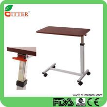 Ajustable hospital de madera sobre la mesa de la cama con ruedas