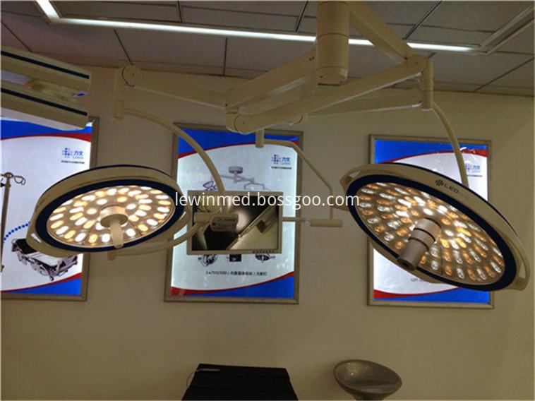 led operation light (28)