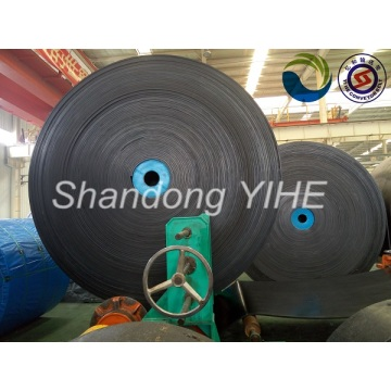 Chemical oil resistant conveyor belt