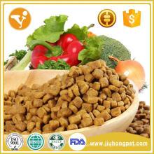 Le chat biologique le plus vendu traite le chat alimentaire