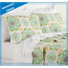 Ensemble de couvre-lit matelassé en polyester Totem floral vert