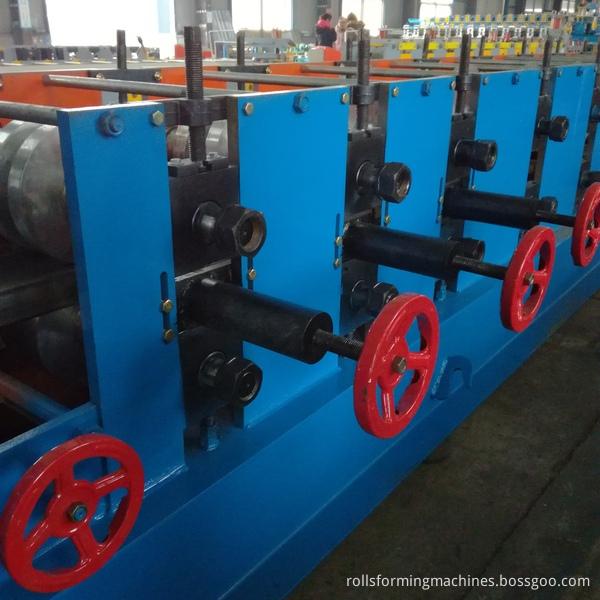 ZZ purline machine
