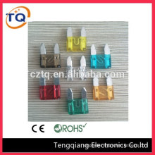 low profile mini blade fuse of electronic pieces