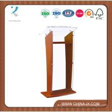 Podium en bois avec panneau avant en acrylique et surface de lecture