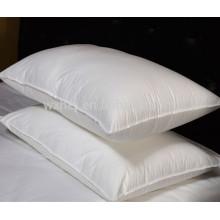 L'oreiller blanc bon marché en gros d'hôtel / hôpital de remplissage de microfibre de polyester