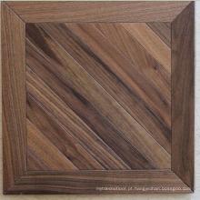 Piso de madeira maciça de nogueira