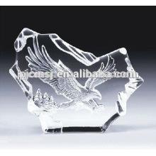 cinzelando o iceberg de cristal da águia para presentes