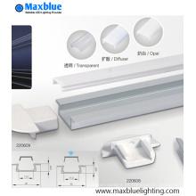 Perfil de aluminio empotrado debajo del gabinete con la cubierta helada