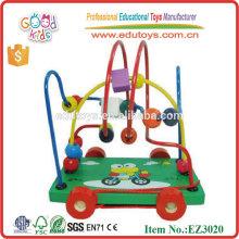 Karikatur-hölzerne Spielwaren-Frosch-Zahnstangen-Korne-Wagen
