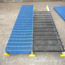 Plancher en plastique de polypropylène de fabricant pour des fermes de porc