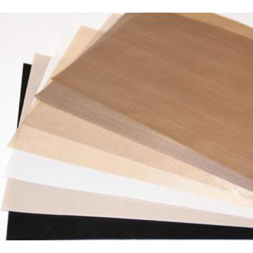 Tissu de PTFE poreux qui est perméable à l'air