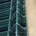 Cerca de flexão de PVC com post de pêssego