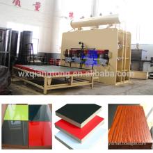 Wuxi Qiangtong automático de ciclo curto de melamina MDF laminado linha de pressão quente