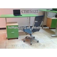 Höhenverstellbare Tischsitze mit verstellbarer Hubsäule