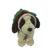 Cão de pelúcia com chapéu de Natal