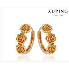 92008 moda elegante 18k chapado en oro aleación de metal pendiente de la joyería en forma de flor Huggie