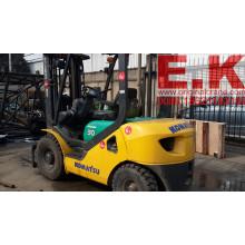 Япония Вилочный погрузчик Komatsu 3 Ton Diesel Forklift (FD30)