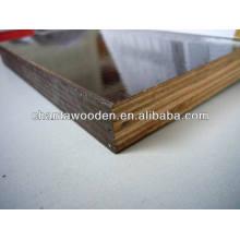 Linyi fábrica com película fenólica real bp enfrentou madeira compensada
