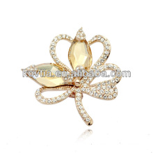 Wholesale costume jewelry crystal flower shaped brooch fashion dresses for women party