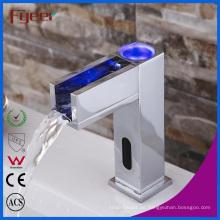 Wasserkraft Wasserfall Automatischer Sensor Wasserhahn mit LED
