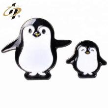 Impresión al por mayor barata con el perno de encargo de la solapa del pingüino de epoxy
