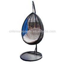 Oeuf de rotin de meubles extérieurs suspendus swing nid de chaise