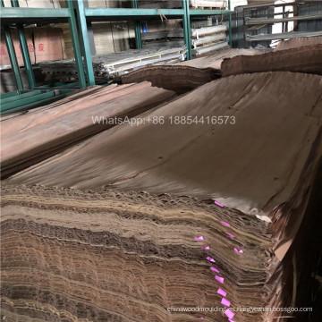 Chapa de Keruing de corte rotatorio de 3,0 mm Chapa de cara de madera contrachapada