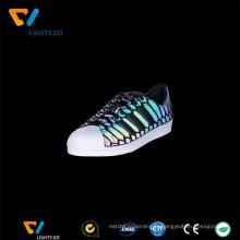 Matériel populaire de chaussures réfléchissantes iridescentes