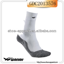 High Quality Running Wear Socks for Men 2014 China manufacturer
