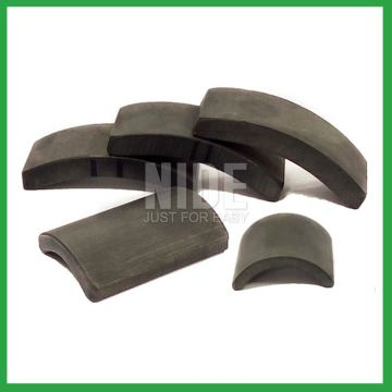 Roll tile type ferrite magnetic material