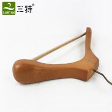 Kleiderbügel aus massivem Holz mit Rutschschutz