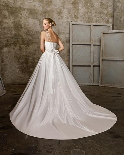 Ball Gown One-shoulder Chapel Train Taffeta Beading Bowknot Wedding Dress