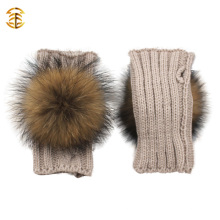 Новая мода зимой Полный Finger Девушки вязаные перчатки Дешевые Fur Pom Pom Knit Gloves