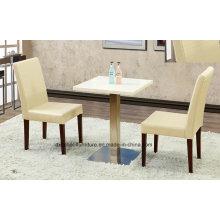 Деревянный стол и стул для столовой