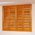 Fensterläden aus PVC oder Linde mit 63 und 89 mm Raster