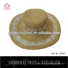 Mujeres tejiendo sombrero de paja 100