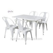 Mesa plegable de hierro con estructura de hierro y silla