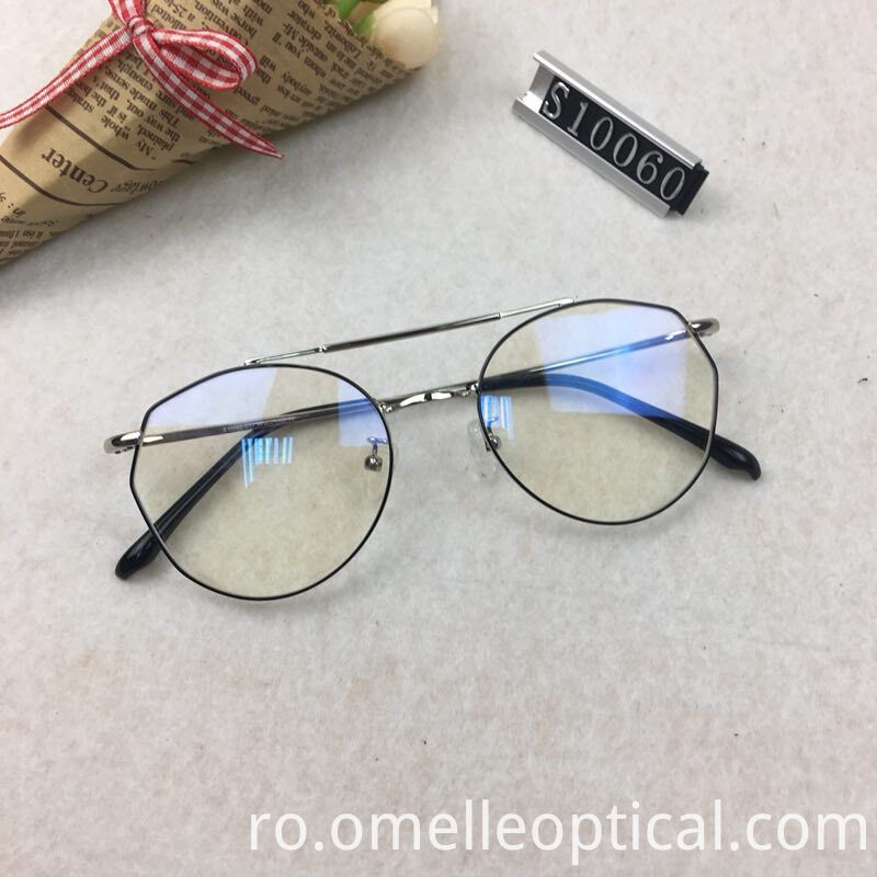 Oval Shaped Gold Glasses