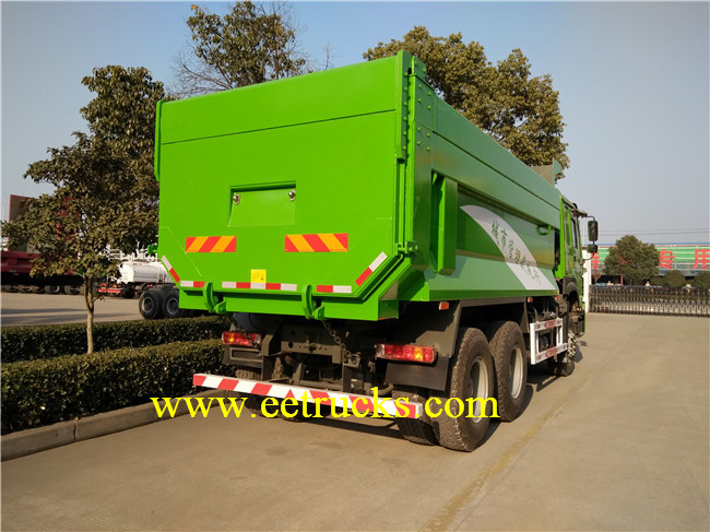 Docking Garbage Truck