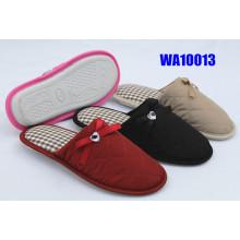 Impermeable bordado de la mujer atar zapatillas de interior
