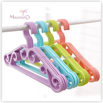 PP Plastic Colorful Clothes Hanger Set of 5